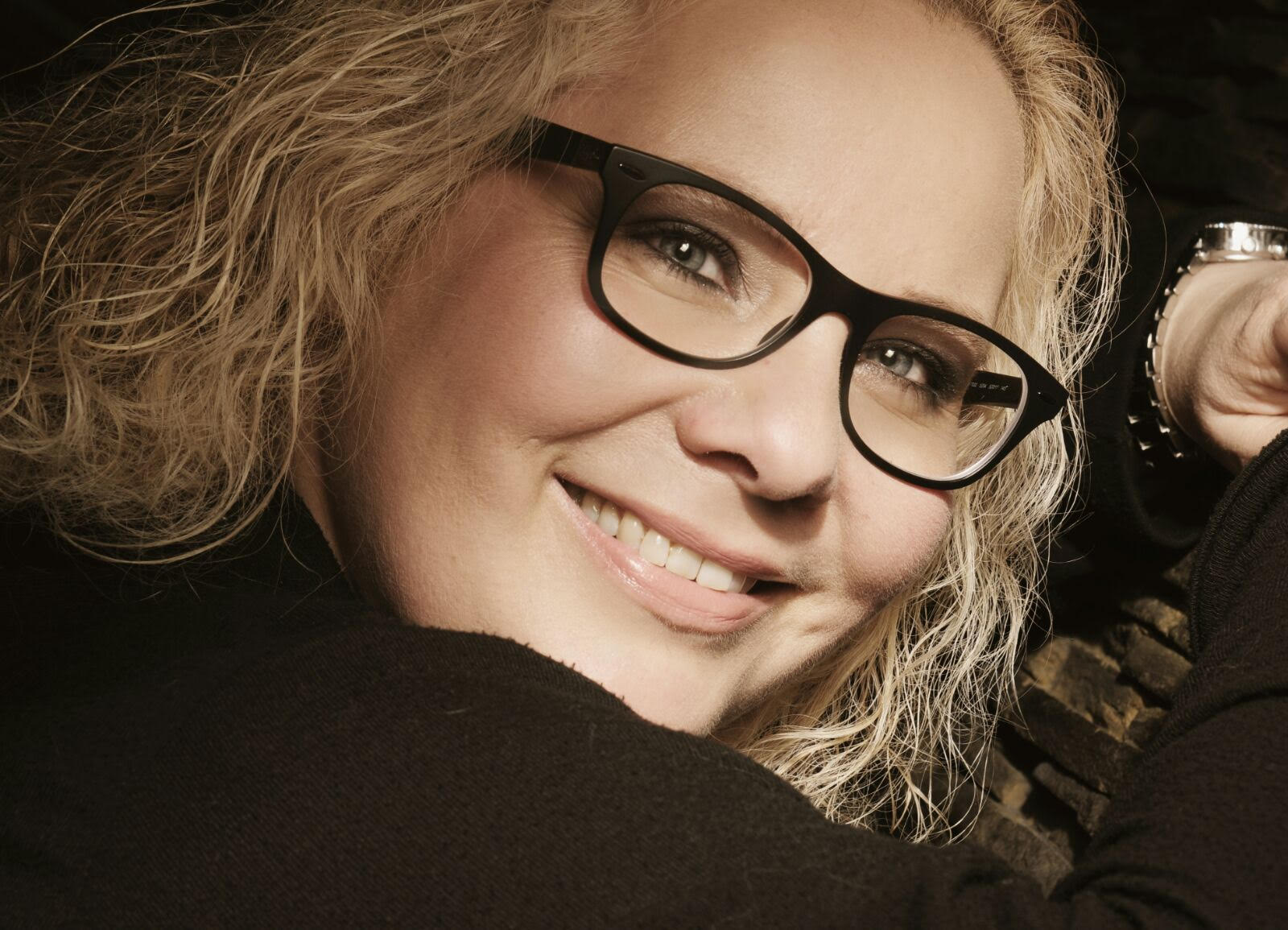Sangerin Helen Spielt Gitarre Sie Ist Djane Hochzeitsrednerin
